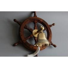 Kuģa stūres rats ar zvanu